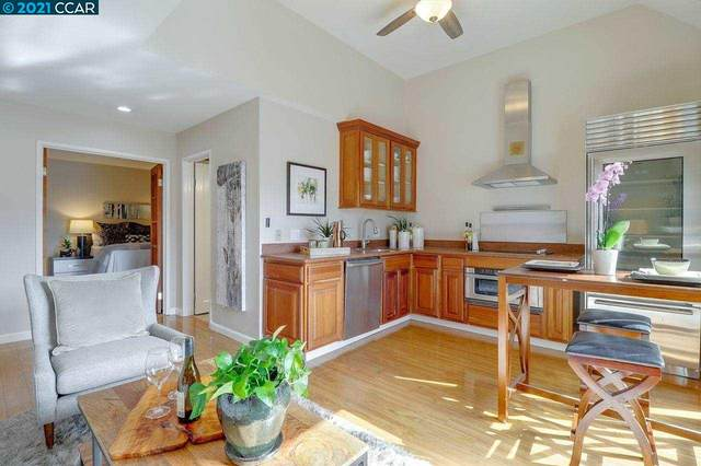 3 Embarcadero 335, Oakland, CA 94607 (#CC40960324) :: The Goss Real Estate Group, Keller Williams Bay Area Estates