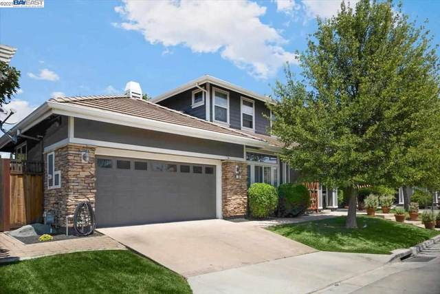 749 Central Ave, Livermore, CA 94551 (#BE40960626) :: The Gilmartin Group