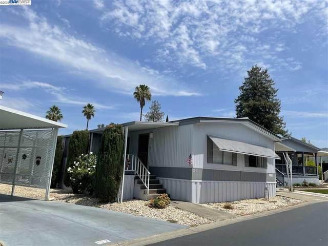 3263 NW Vineyard Ave 104, Pleasanton, CA 94566 (#BE40961064) :: Real Estate Experts