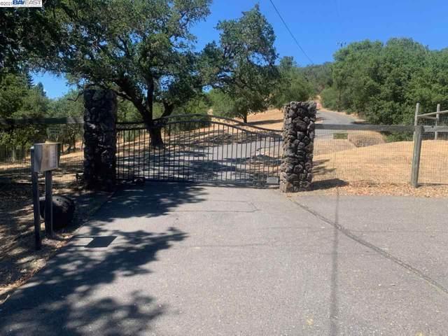 7160 Faught Road, Santa Rosa, CA 95403 (#BE40961333) :: Alex Brant