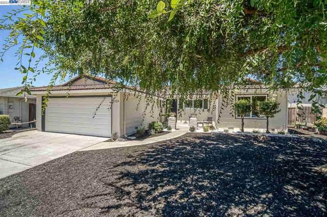 1121 Bellingham Dr, San Jose, CA 95121 (#BE40961827) :: The Gilmartin Group