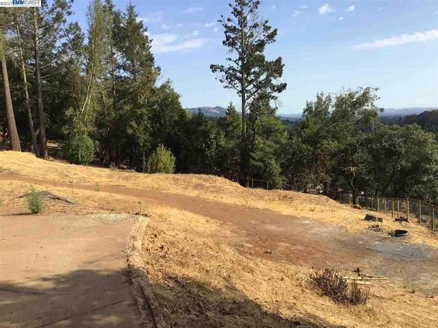 3676 NE Crown Hill Dr, Santa Rosa, CA 95404 (#BE40962381) :: Alex Brant