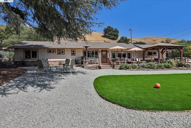 9338 Crow Canyon Rd, Castro Valley, CA 94552 (#BE40962887) :: Robert Balina | Synergize Realty