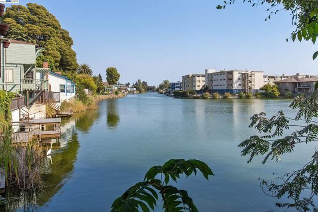 888 Willow St, Alameda, CA 94501 (#BE40964915) :: Schneider Estates