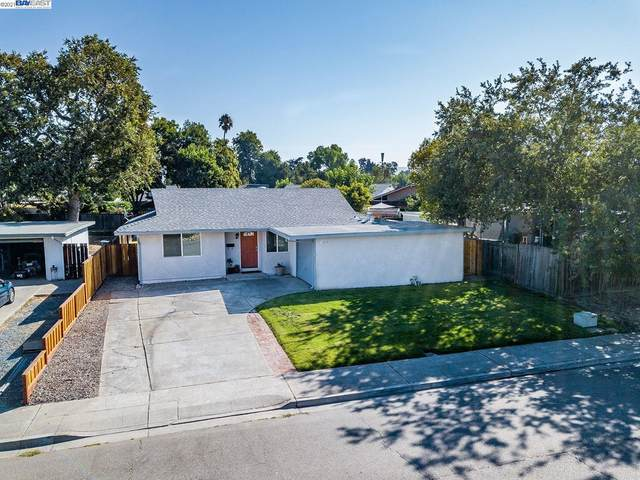 1215 Hollyhock St, Livermore, CA 94551 (#BE40966350) :: Strock Real Estate
