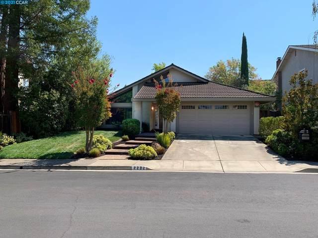 2222 Lake Oaks Ct, Martinez, CA 94553 (#CC40966711) :: The Gilmartin Group
