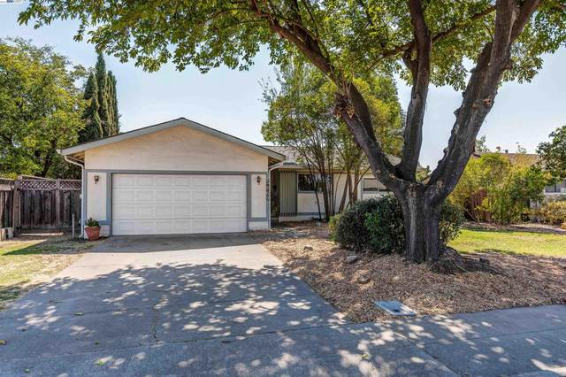 5869 Singing Hills Ave, Livermore, CA 94551 (#BE40966904) :: Strock Real Estate