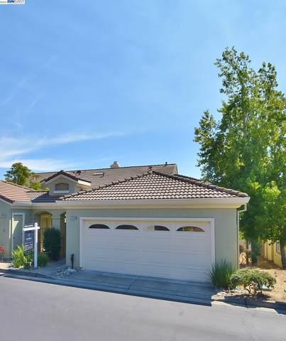 22244 E Lyndon Loop, Castro Valley, CA 94552 (#BE40968248) :: Strock Real Estate