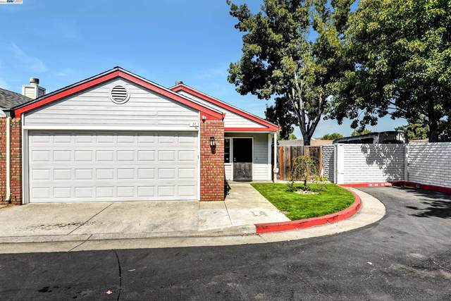 27 Town Square Place, Oakland, CA 94603 (#BE40968288) :: Alex Brant