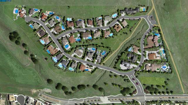 Canyon Estates Cir 32, American Canyon, CA 94503 (#CC40969097) :: The Kulda Real Estate Group