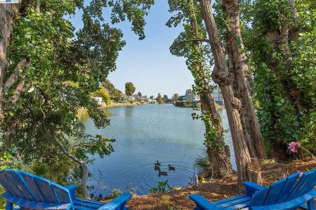 888 Willow St, Alameda, CA 94501 (#BE40969528) :: The Sean Cooper Real Estate Group