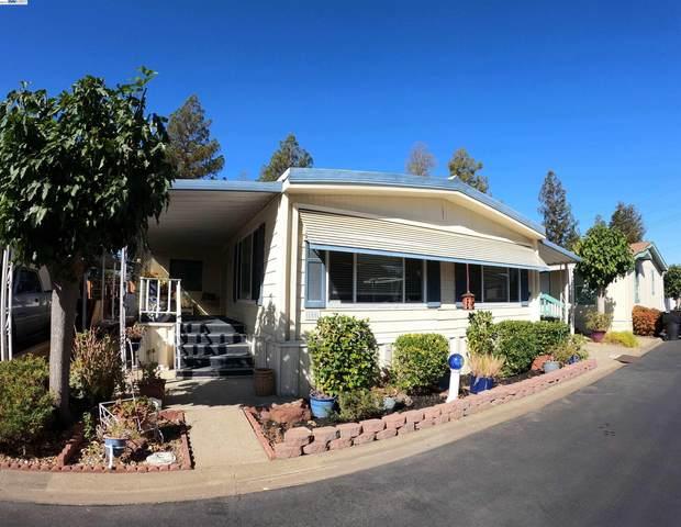 3231 Vineyard 108, Pleasanton, CA 94566 (#BE40970706) :: The Kulda Real Estate Group