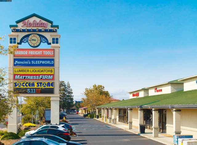 1575+ Holiday Lane, Fairfield, CA 94533 (#CC40970803) :: The Kulda Real Estate Group