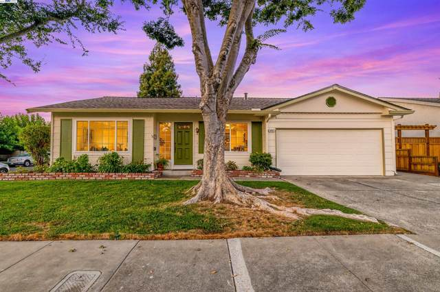 1878 Foxswallow Cir, Pleasanton, CA 94566 (#BE40971393) :: The Sean Cooper Real Estate Group