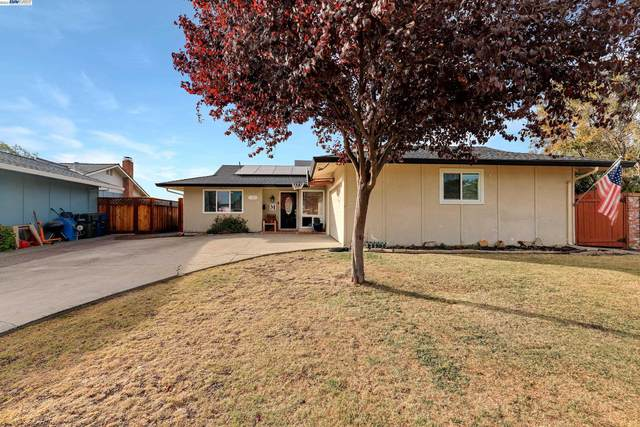 1680 Hollyhock St, Livermore, CA 94551 (#BE40971599) :: The Kulda Real Estate Group