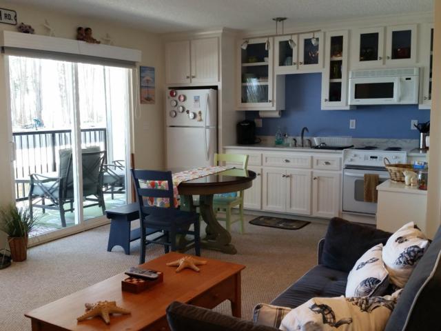 815 Balboa Ave 104, Capitola, CA 95010 (#ML81715257) :: Brett Jennings Real Estate Experts