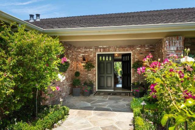 1015 Bridle Way, Hillsborough, CA 94010 (#ML81715514) :: Perisson Real Estate, Inc.