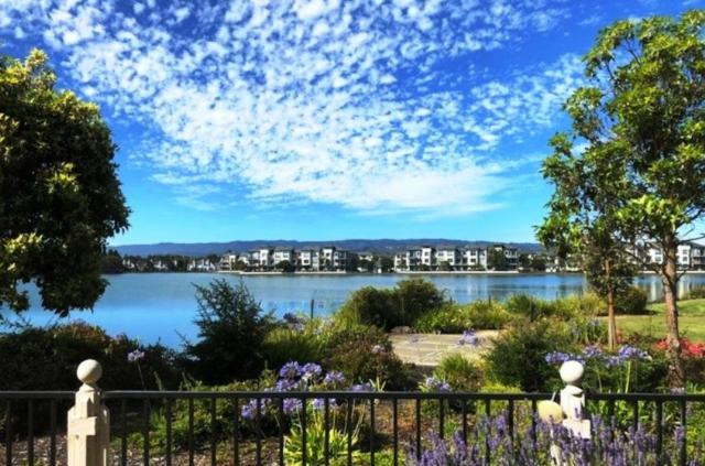 392 Saint Martin Dr, Redwood Shores, CA 94065 (#ML81716487) :: Brett Jennings Real Estate Experts