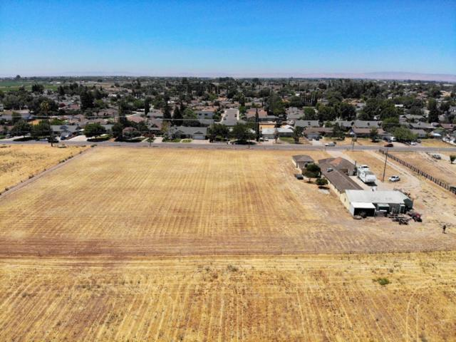 1233 5th St, Turlock, CA 95380 (#ML81717117) :: Strock Real Estate