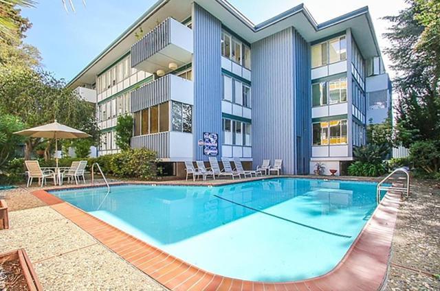808 Laurel Ave 105, San Mateo, CA 94401 (#ML81719328) :: The Kulda Real Estate Group