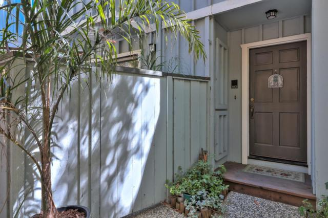 2102 Wharf Rd, Capitola, CA 95010 (#ML81722824) :: Strock Real Estate