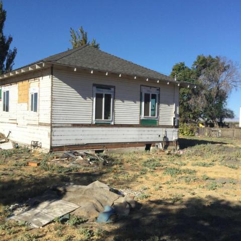 9228 W M St, SOUTH DOS PALOS, CA 93665 (#ML81723826) :: The Kulda Real Estate Group