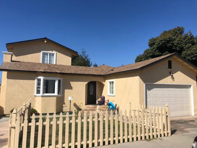 1075 E Market St, Salinas, CA 93905 (#ML81725228) :: The Gilmartin Group