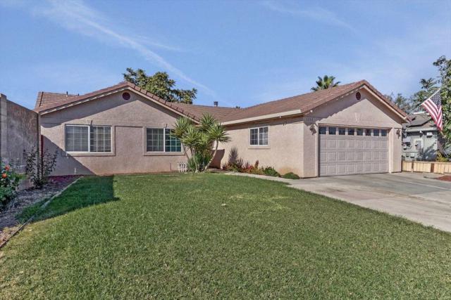 1332 E B St, Los Banos, CA 93635 (#ML81725241) :: The Goss Real Estate Group, Keller Williams Bay Area Estates