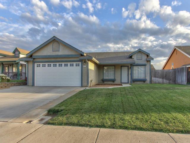 492 Cuesta St, Soledad, CA 93960 (#ML81726197) :: The Kulda Real Estate Group