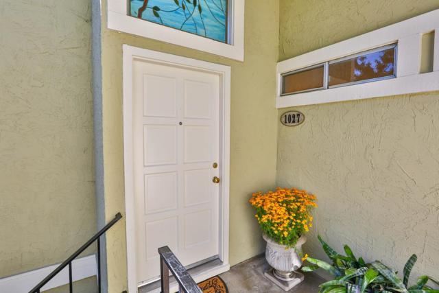 1027 Delna Manor Ln, San Jose, CA 95128 (#ML81727106) :: The Gilmartin Group