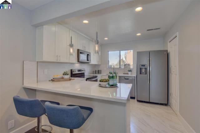 974 Castlewood Way, Hayward, CA 94541 (#ML81728497) :: The Kulda Real Estate Group