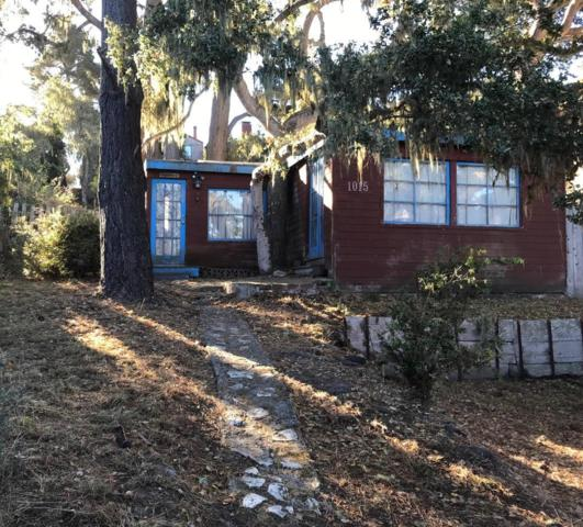 1015 Hillside Ave, Pacific Grove, CA 93950 (#ML81732183) :: Brett Jennings Real Estate Experts