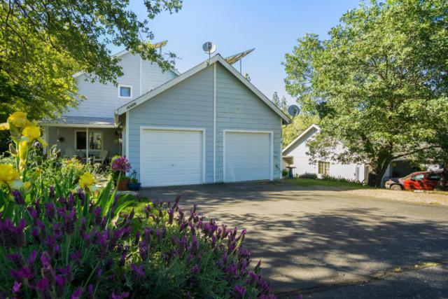 16999 Oak Hollow Cir, Nevada City, CA 95959 (#ML81735542) :: Julie Davis Sells Homes