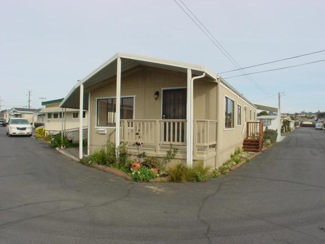 1146 Birch 23, Seaside, CA 93955 (#ML81735858) :: Live Play Silicon Valley