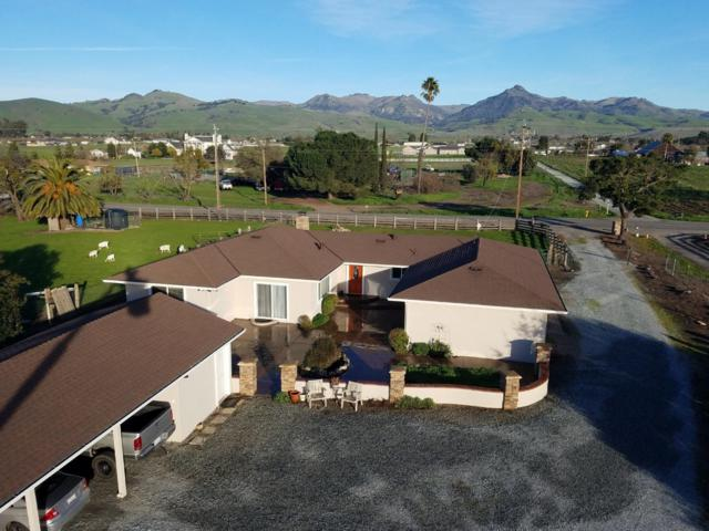 4530 Fairview Rd, Hollister, CA 95023 (#ML81740808) :: The Gilmartin Group