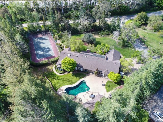 15411 Vista Serena, Los Altos Hills, CA 94022 (#ML81747329) :: The Kulda Real Estate Group