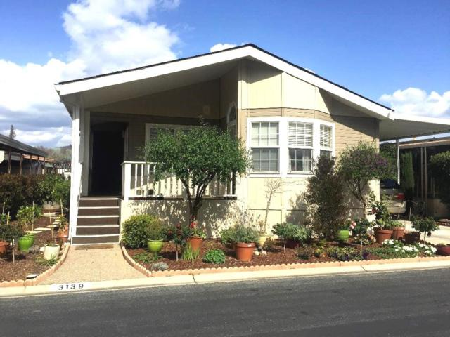 3139 Oakbridge Dr 3139, San Jose, CA 95121 (#ML81747832) :: The Realty Society