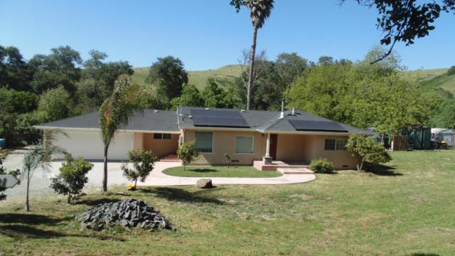 2341 Chittenden Rd, San Juan Bautista, CA 95045 (#ML81752100) :: The Realty Society