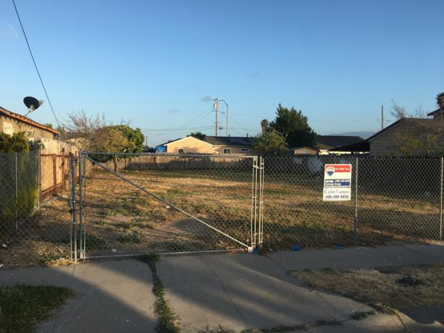 622 Dallas Ave, Salinas, CA 93905 (#ML81760794) :: Strock Real Estate
