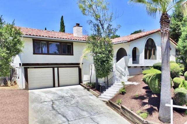 10131 Hillcrest Rd, Cupertino, CA 95014 (#ML81761185) :: The Warfel Gardin Group