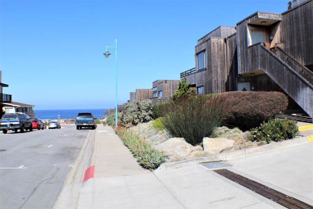 125 Surf Way 333, Monterey, CA 93940 (#ML81772490) :: The Gilmartin Group