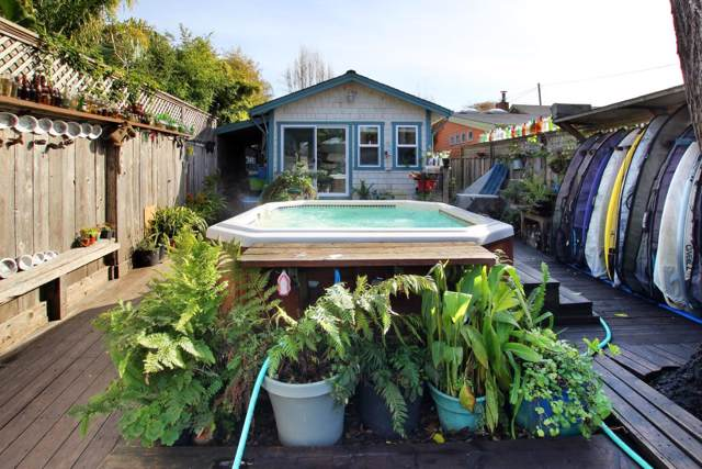 606 15th Ave, Santa Cruz, CA 95062 (#ML81777571) :: Strock Real Estate