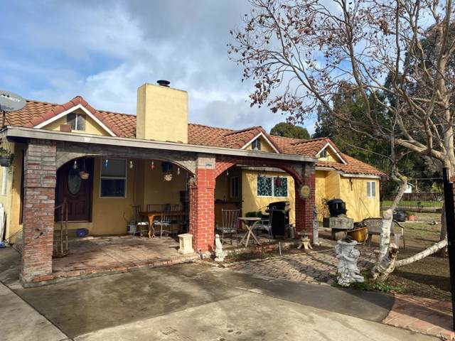 2725 Leavesley Rd, Gilroy, CA 95020 (#ML81779253) :: The Realty Society