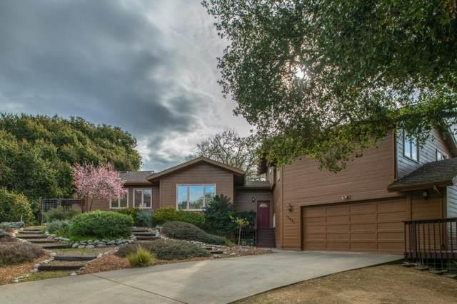 18021 Corral Del Cielo Rd, Salinas, CA 93908 (#ML81786386) :: Strock Real Estate