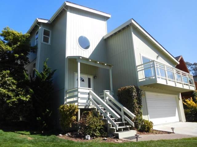 154 Madrona Ave, El Granada, CA 94018 (#ML81786422) :: The Kulda Real Estate Group