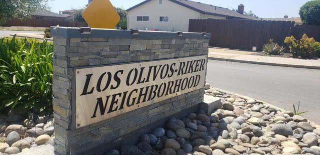 1253 Los Olivos Dr 49, Salinas, CA 93901 (#ML81791712) :: Alex Brant Properties