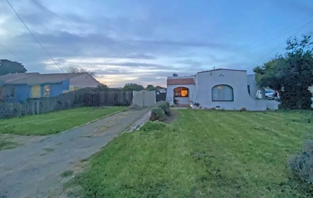 704 Oak Ave, Greenfield, CA 93927 (#ML81793082) :: Alex Brant Properties