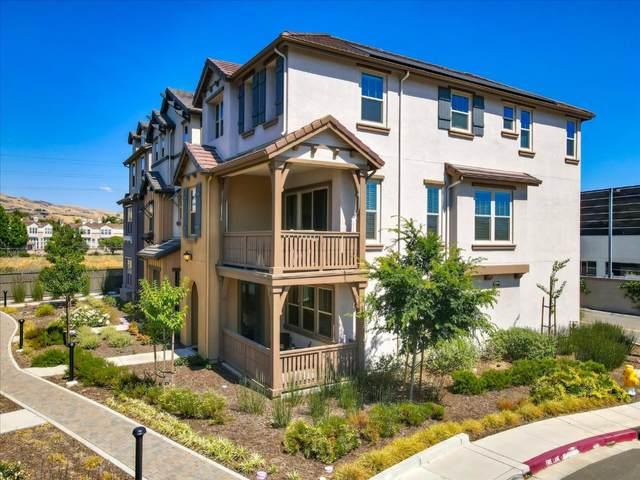 1482 Hidden Creek Ln, Milpitas, CA 95035 (#ML81795300) :: Strock Real Estate