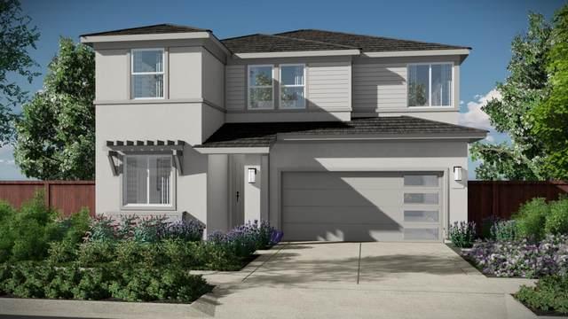 240 North Miller Rd, Hollister, CA 95023 (#ML81795396) :: Strock Real Estate