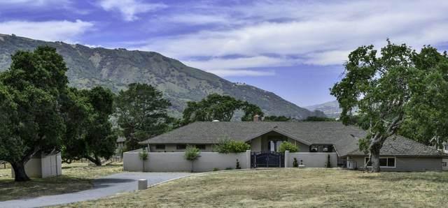 66 Rancho Rd, Carmel Valley, CA 93924 (#ML81795917) :: Alex Brant Properties